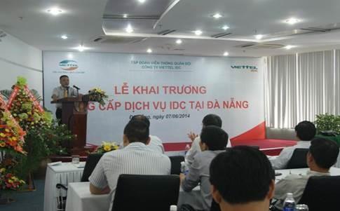 Thượng tá Lê Đức Hoàng, Giám đốc Công ty Viettel IDC phát biểu tại buổi lễ
