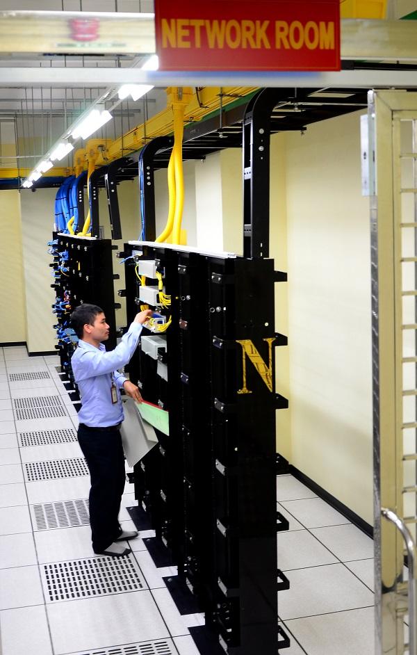 phong-network-16