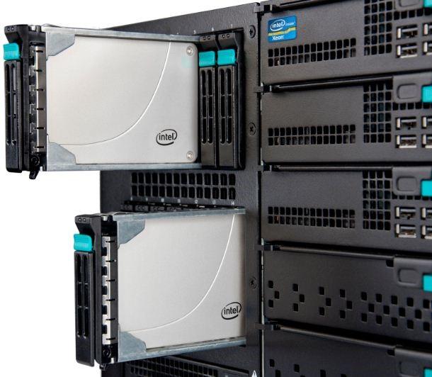 Sự khác nhau giữa máy chủ lưu trữ HDD và máy chủ SSD 3